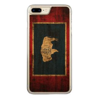 Coque Carved iPhone 8 Plus/7 Plus Drapeau grunge vintage d'état du Wyoming
