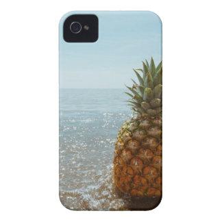 Coque Case-Mate iPhone 4 Ananas sur une plage