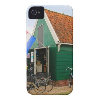 Coque Case-Mate iPhone 4 Bicyclettes, village néerlandais de moulin à vent,
