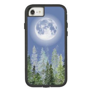Coque Case-Mate Tough Extreme iPhone 8/7 Pleine lune brillante au-dessus de forêt nordique