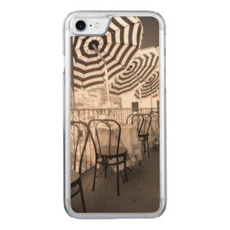 Coque En Bois iPhone 7 Balcon étrange de restaurant, Italie