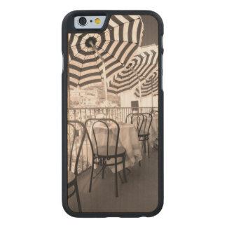 Coque En Érable iPhone 6 Case Balcon étrange de restaurant, Italie