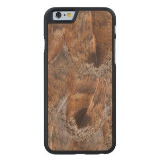 Coque En Érable iPhone 6 Case Fermez-vous des plumes de Brown