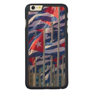Coque En Érable iPhone 6 Plus Drapeaux cubains, La Havane, Cuba