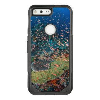 Coque Google Pixel Par OtterBox Commuter Poissons nageant au-dessus du récif