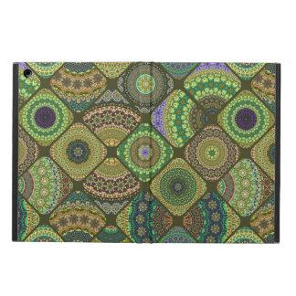 Coque iPad Air Patchwork vintage avec les éléments floraux de