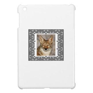 Coque iPad Mini coyote dans un cadre