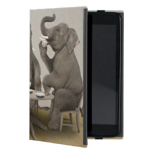 Coque iPad Mini Éléphants ayant le thé