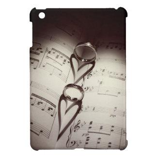 Coque iPad Mini Musique de coeurs d'anneau de mariage