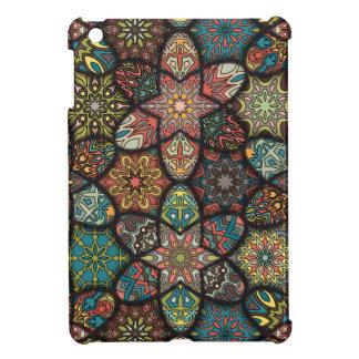 Coque iPad Mini Patchwork vintage avec les éléments floraux de