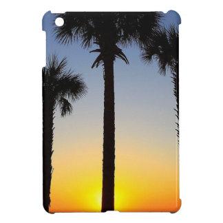 Coque iPad Mini Plage de ciel de palmier d'aube d'aube de lever de