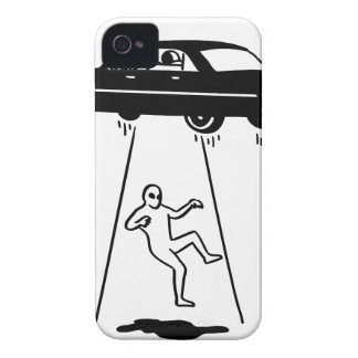 Coque iPhone 4 abduction de voiture des aliens