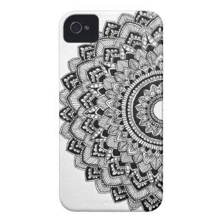 Coque iPhone 4 Case-Mate Mandala noir et blanc