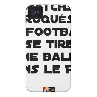 COQUE iPhone 4 Case-Mate MATCHS TRUQUÉS, LE FOOTBALL SE TIRE UNE BALLE DANS