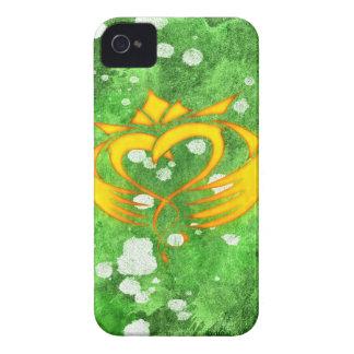 Coque iPhone 4 Éclaboussure celtique irlandaise de Claddagh