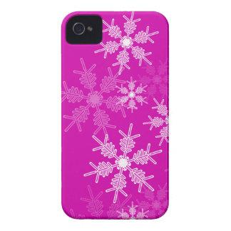 Coque iPhone 4 Flocons de neige à la mode de Noël rose et blanc
