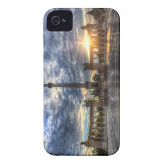 Coque iPhone 4 Les héros ajustent le lever de soleil de Budapest