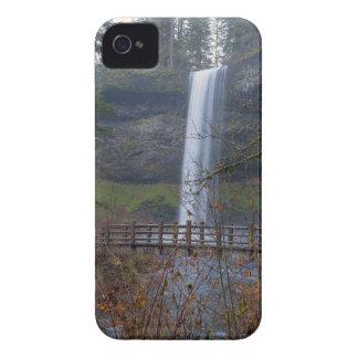 Coque iPhone 4 Pont en bois sur le sentier de randonnée aux