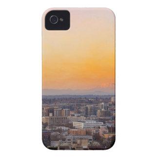 Coque iPhone 4 Portland OU paysage urbain et coucher du soleil de