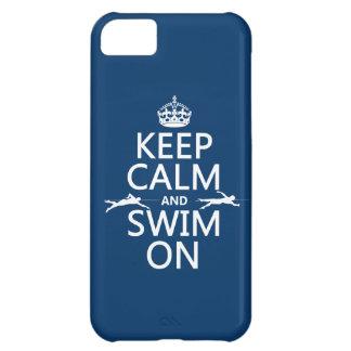 Coque iPhone 5C Gardez le calme et nagez sur (dans toute couleur)