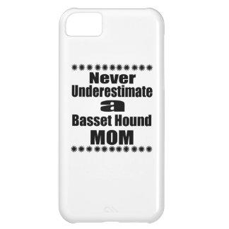 Coque iPhone 5C Ne sous-estimez jamais la maman de Basset Hound