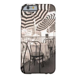 Coque iPhone 6 Barely There Balcon étrange de restaurant, Italie
