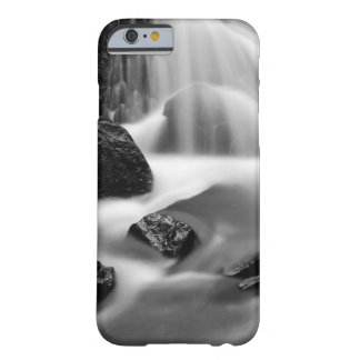 Coque iPhone 6 Barely There Cascade de B&W, la Californie