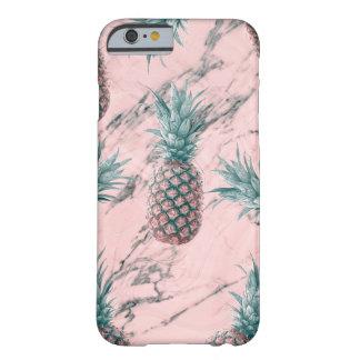 Coque iPhone 6 Barely There Chic tropical moderne d'ananas et de remous de