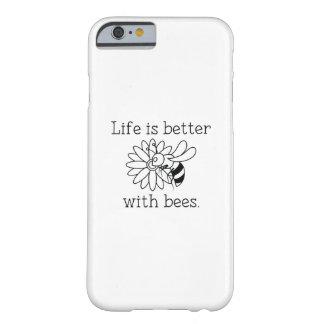 Coque iPhone 6 Barely There La vie est meilleure avec des abeilles