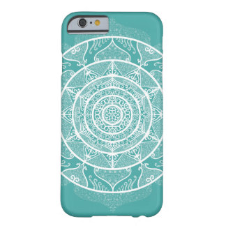 Coque iPhone 6 Barely There Mandala impeccable bleu