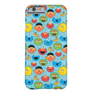 Coque iPhone 6 Barely There Motif de visages de Sesame Street sur le bleu