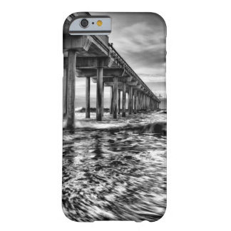 Coque iPhone 6 Barely There Pilier de B&W à l'aube, la Californie
