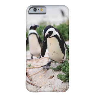 Coque iPhone 6 Barely There Pingouins à la plage
