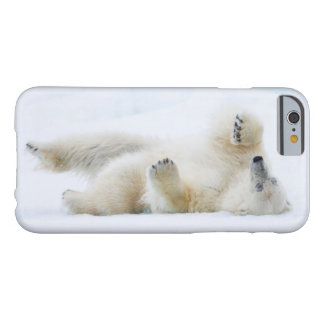 Coque iPhone 6 Barely There Roulement d'ours blanc dans la neige, Norvège
