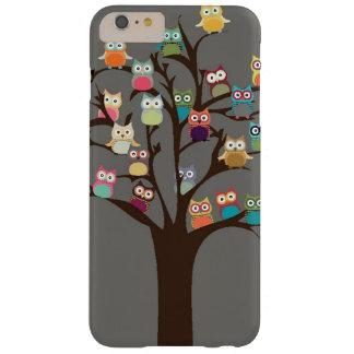 Coque iPhone 6 Plus Barely There Hibou mignon sur l'arrière - plan de l'arbre |