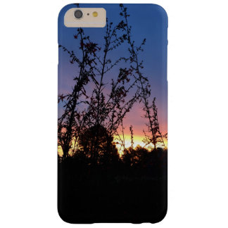 Coque iPhone 6 Plus Barely There Lever de soleil entre les tiges de silhouette de