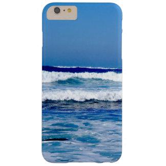 Coque iPhone 6 Plus Barely There L'Océan Atlantique bleu profond ondule sur la