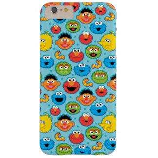 Coque iPhone 6 Plus Barely There Motif de visages de Sesame Street sur le bleu