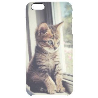 Coque iPhone 6 Plus Chaton tigré observant la fenêtre