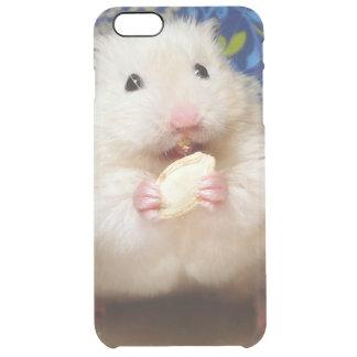 Coque iPhone 6 Plus Hamster syrien pelucheux Kokolinka mangeant une