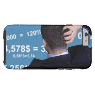 Coque iPhone 6 Tough Portrait arrière d'un homme d'affaires confus avec