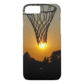 Coque iPhone 7 basket-ball de coucher du soleil avec le cercle et