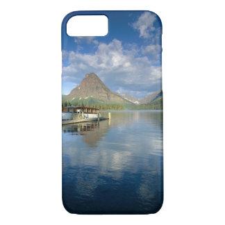 Coque iPhone 7 Bateau de visite accouplé au lac deux medicine en