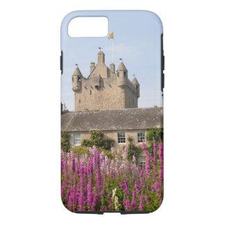 Coque iPhone 7 Beaux jardins et château célèbre en Ecosse 2