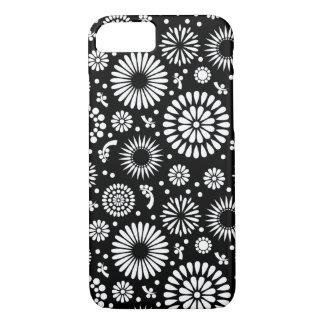 Coque iPhone 7 Boho fleurit le motif floral de vecteur noir et