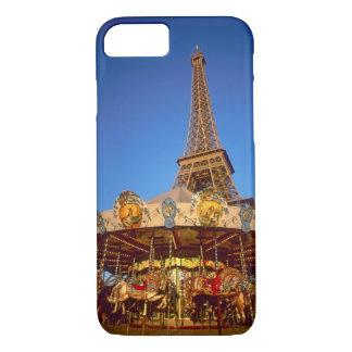Coque iPhone 7 Carrousel, Tour Eiffel, Paris, France
