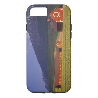 Coque iPhone 7 Champ de blé dans la vallée de Wallowa, juste