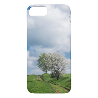 Coque iPhone 7 Chemin de terre et pommiers