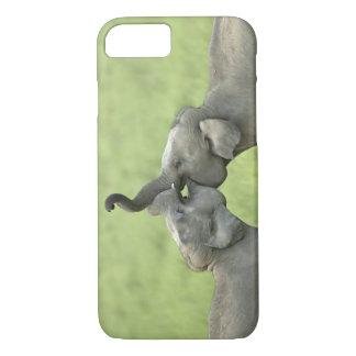 Coque iPhone 7 Combat de jeu éléphants indiens/asiatiques ;