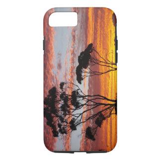 Coque iPhone 7 Coucher du soleil et arbre de gomme, baie de